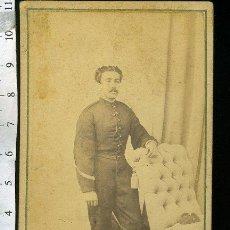 Fotografía antigua: FOTOGRAFIA CDV MILITAR. FRANCISCO AUGUSTO MARTIN CARVALLO, SARGENTO ASPIRANTE A OFICIAL 8-10-1868. Lote 47830713