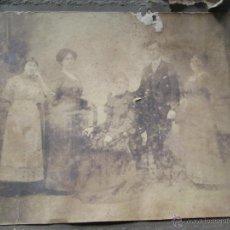 Fotografía antigua: FAMILIA - FAMILY - FAMILLE . Lote 49421316