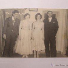 Fotografía antigua: PAREJAS HERMOSOS VESTIDOS. COUPLES BELLES ROBES, BEAUTIFUL DRESSE. Lote 50551836