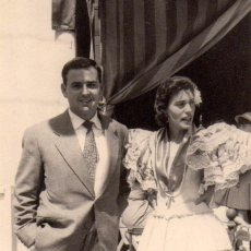 Fotografía antigua: SEVILLA , ANTIGUA FOTOGRAFIA, ESCENA DE FERIA, 59X66 MM. Lote 51941941