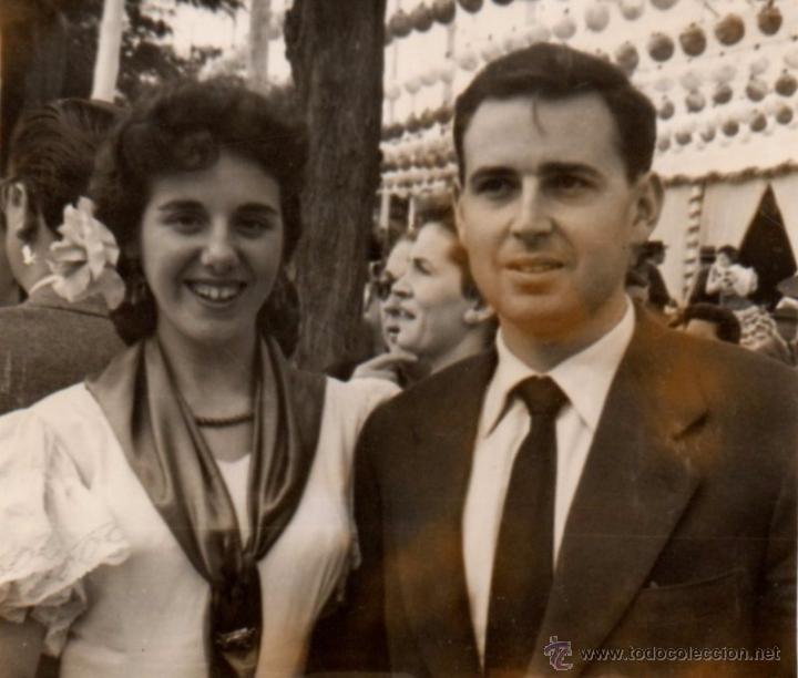 SEVILLA 1957, ANTIGUA FOTOGRAFIA, ESCENA DE FERIA, 74X64 MM (Fotografía Antigua - Fotomecánica)
