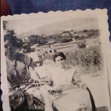Fotografía antigua: ANTIGUA FOTOGRAFIA , PAREJA EN MOTOCICLETA CON SIDECAR. Lote 53073843
