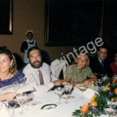 Fotografía antigua: SEVILLA,1991, CENA DESPEDIDA CORPORACION, ALBERTO JIMENEZ BECERRIL, ISIDORO BENEROSO,204X132MM. Lote 53301770