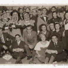 Fotografía antigua: FOTO BLANCO. LA CORUÑA. PERSONAJES COMPARSA CARNAVAL. . Lote 53892045