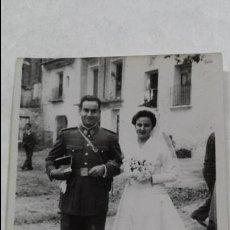 Fotografía antigua: ANTIGUA FOTOGRAFIA BODA MILITAR AYORA VALENCIA . Lote 54155351