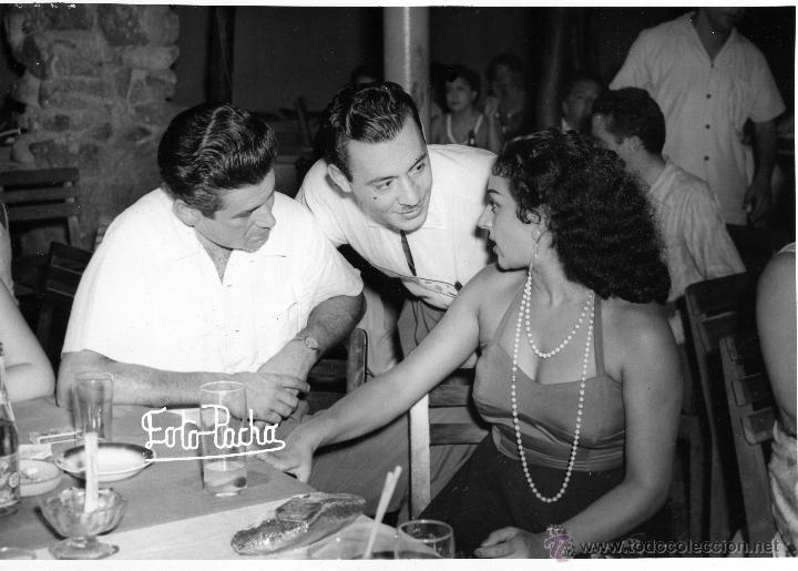 Fotografía antigua: FOTO ORIGINAL DEL ARCHIVO LA REVISTA MAÑANA, LOLA FLORES el actor Jose Suarez CON BETO BARNEY - Foto 3 - 26879843