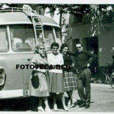 Fotografía antigua: FOTO AUTOBUS AUTOCAR MATRICULA DE BARCELONA - 10 X 7 CM. Lote 56233046