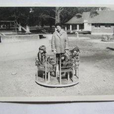Fotografía antigua: MADRE Y NIÑOS EN EL PARQUE. MOTHER AND CHILDREN IN THE PARK. MÈRE ET ENFANTS DANS LE PARC.. Lote 56949580