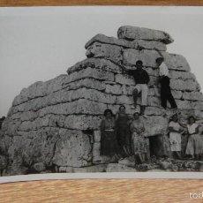 Fotografia antica: FOTO EN MENORCA - NAVETA DE TUDONS. Lote 198720816