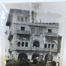 Fotografía antigua: FOTOGRAFIA AYUNTAMIENTO DE OLITE, NAVARRA, FIESTAS PATRONALES. Lote 58266292