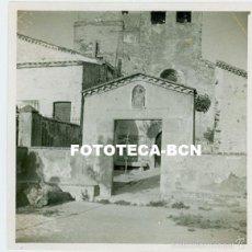 Fotografía antigua: FOTO ORIGINAL VALLDOREIX SANT CUGAT IGLESIA SANT CEBRIA AÑO 1952 - 7X7 CM. Lote 58633829
