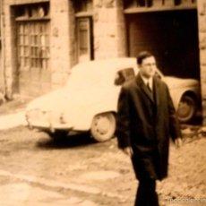 Fotografía antigua: ANTIGUA FOTOGRAFIA, COCHE RENAULT GORDINI, VENEZUELA 1950, 9,5 X 6,5 CM. Lote 58785496