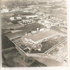 Fotografía antigua: VISTA AEREA FOTO FOTOGRAFIA FABRICA PIRELLI MOLTEX CORNELLA HOSPITALET ORIGINAL. Lote 59125565