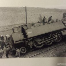 Fotografía antigua: FERROCARRILES CATALANES. CGFC LOCOMOTORA Nº 204 LOTE DE 2 FOTOGRAFIAS DE UN ACCIDENTE. Lote 60623775