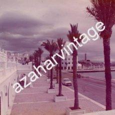 Fotografía antigua: ESTEPONA, AÑOS 70, PUERTO DEPORTIVO RECIEN INAUGURADO, DARSENA Y PLAZA DE PONIENTE,240X180MM. Lote 61255803
