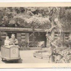 Fotografía antigua: (ALB-TC-3) FOTOGRAFIA PARQUE DE ATRACCIONES AÑOS 50 60. Lote 61973940