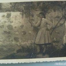 Fotografía antigua: JOVENCITA CON BABI DEL COLEGIO , RECUERDO FIN EJERCICIOS ESPIRITUALES. 1958. Lote 63351812