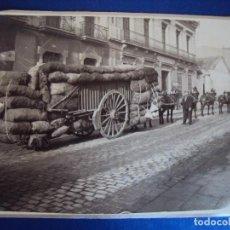 Fotografía antigua: (FOT-161022)FOTOGRAFIA CARGA CON MULOS,PABLO VIÑAS Y BAR SUIZO. Lote 63636215