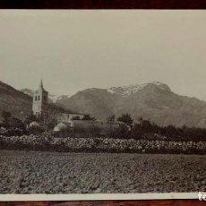 Fotografía antigua: FOTOGRAFIA ANTIGUA DEL PUEBLO DE NAVACERRADA (MADRID) CON LA IGLESIA DE LA NATIVIDAD DE NUESTRA SEÑ. Lote 64887435