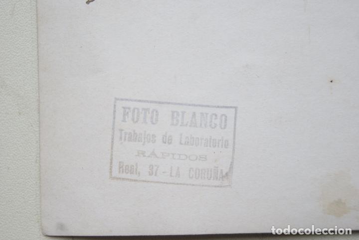 Fotografía antigua: PRECIOSA AEROPLANO SOBREVOLANDO A CORUÑA 1930FOTO BLANCO 17X 12CM - Foto 3 - 65910630