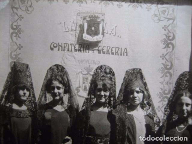 FOTOGRAFÍA ACTO CONFITERÍA Y CERERIA LA PERLA. PROVEDOR DE LA CASA REAL ALFONSO XIII (Fotografía Antigua - Fotomecánica)