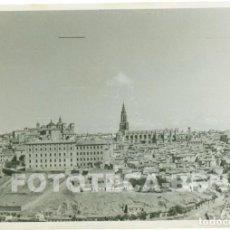 Fotografía antigua: FOTO ORIGINAL TOLEDO ALCAZAR CATEDRAL AÑOS 50 - 10X7CM. Lote 67912661