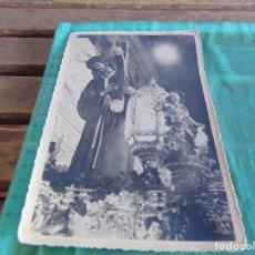 Fotografía antigua: FOTO FOTOGRAFIA DE EL CRISTO DE EL GRAN PODER POR LAS CALLES DE SEVILLA SEMANA SANTA. Lote 68538161