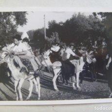 Fotografía antigua: FOTO DE UNA CARRERA DE BURROS EN LA ROMERIA. CAZALLA ( SEVILLA ). Lote 109322030