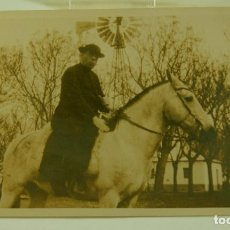 Fotografía antigua: POSTAL FOTOGRAFICA HOMBRE A CABALLO. Lote 73692219