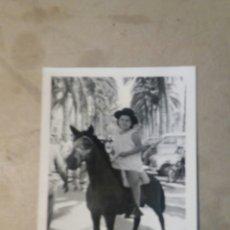 Fotografía antigua: FOTO FERIA 1960 ALICANTE. Lote 74694606