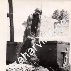 Fotografía antigua: LLANO DEL BEAL, CARTAGENA, MURCIA, ANTIGUA FOTOGRAFIA MONUMENTO MINEROS, 180X240MM. Lote 75624179