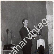 Fotografía antigua: MAGIA E ILUSIONISMO,ANTIGUA FOTOGRAFIA DEL MAGO DE GRAN CANARIA TABARIN, RARA,86X136MM. Lote 76012355