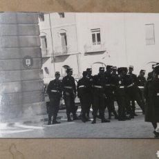 Fotografía antigua: FOTO ANTIGUA SOLDADOS DE LA CRUZ ROJA. ALCOY. ALICANTE. Lote 76638154