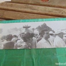 Fotografía antigua: FOTO FOTOGRAFIA DE EL ROCIO VIRGEN ALMONTE HUELVA POR LAS CALLES DE LA ALDEA SIMPECADO. Lote 76970009