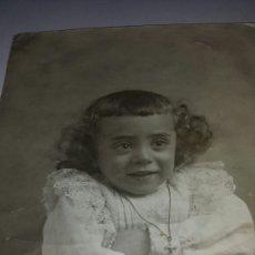 Fotografía antigua: ANTIGUA Y GRACIOSA FOTO NIÑA. CIRCA 1900. JULIO DERREY PRIMER FOTOGRAFO DE VALENCIA CASA REAL. Lote 79763589