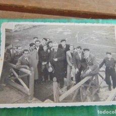 Fotografía antigua - FOTO FOTOGRAFIA EQUIPO JUGADORES DE FUTBOL BETIS ?? SEVILLA ?? JUGADORES Y DIRECTIVOS - 79991309