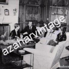 Fotografía antigua: MADRID, 1979, GRABACION DEL MENSAJE DEL REY DON JUAN CARLOS POR NAVIDAD, 240X180MM. Lote 80121849