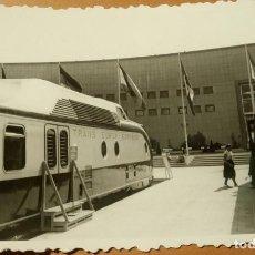 Fotografía antigua: ANTIGUA FOTOGRAFÍA. TREN LOCOMOTORA. TRANS EUROP EXPRESS. FOTO AÑOS 50. FERROCARRIL. . Lote 83192144