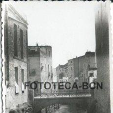 Fotografía antigua: FOTO ORIGINAL AMPOSTA PUENTE RIO AÑO 1950 - 8X5,5 CM. Lote 85772716