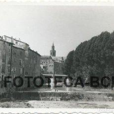 Fotografía antigua: FOTO ORIGINAL BARBASTRO RIO VERO PUENTE DEL PORTILLO AÑO 1955 - 8X5,5 CM. Lote 85796668