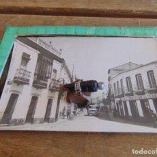 Fotografía antigua: FOTO FOTOGRAFIA CALLE GIL VELEZ VIUDA DE EMILIO DELGADO EL PASAJE NERVA HUELVA. Lote 86162372