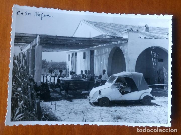 ANTIGUA FOTOGRAFÍA. COCHE BISCUTER JUNTO A LA CASA NEGRA. PLAYA DE PINEDO. VALENCIA. FOTO. (Fotografía Antigua - Fotomecánica)