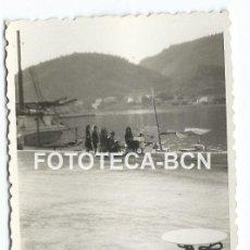 Fotografía antigua: FOTO ORIGINAL PUERTO DE ANDRATX MALLORCA TURISMO BALEARES AÑO 1948 - 8X5,5 CM. Lote 86436896