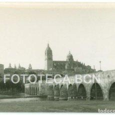 Fotografía antigua: FOTO ORIGINAL PUENTE ROMANO SALAMANCA AÑO 1962 - 10X7 CM. Lote 86634752