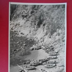 Fotografía antigua: ANTIGUA FOTOGRAFIA DE TOSSA DE MAR -CALA CON BARCAS - AÑO 1948 - ( GERONA , GIRONA) - ... R-6082. Lote 87007608