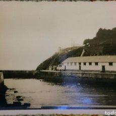 Fotografía antigua: FOTO LUARCA, ASTURIAS, ORIGINAL,AÑOS 50,PONE LUARCA POR DETRÁS... . Lote 89410688