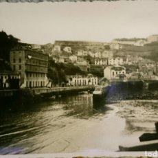 Fotografía antigua: FOTO LUARCA, ASTURIAS,ORIGINAL, BUEN ESTADO,AÑOS 50,LA QUE SE VÉ . Lote 89410907