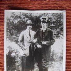 Fotografía antigua: 1926- REY DE ESPAÑA ALFONSO XIII.REY GUSTAVO DE SUECIA..FOTO ORIGINAL GRANDE. Lote 90819095