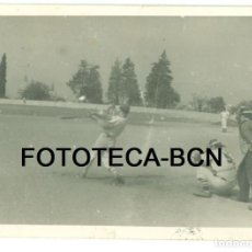 Fotografía antigua: FOTO ORIGINAL PARTIDO DE BEISBOL BARCELONA MONTJUIC AÑOS 50 - 10X7 CM. Lote 92256975