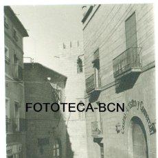 Fotografía antigua: FOTO ORIGINAL ALCAÑIZ CASINO ARTISTICO Y COMERCIAL AÑO 1966 - 10,5X7,5CM. Lote 92334520